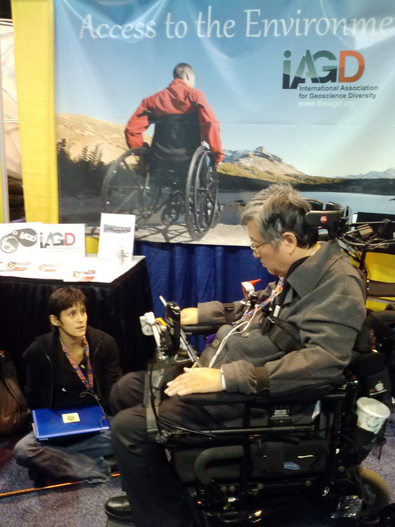 Gina Ceylan and Sang-Mook Lee at the IAGD booth at GSA 2013.