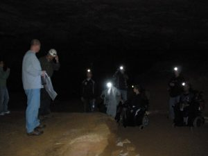 Student field trip with the IAGD at Mammoth Cave National Park